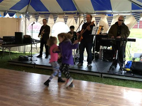 Oktoberfest Dancing thumbnail